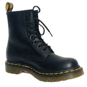 Dr Martens Women's Smooth Leather Combat Boots 6